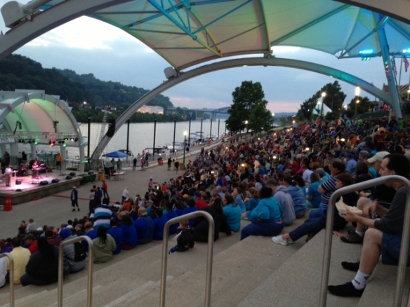 A great shot of the crowd and the boats at Live on the Levee.